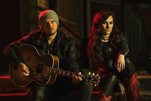 Live Acoustic - Nikki & Ryan