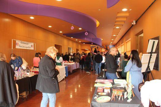 La Pulguita: Art Mercado