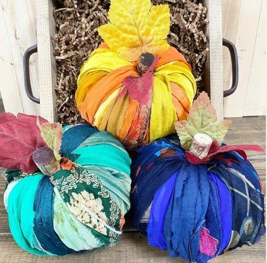 Specialty - Chunky Knit & Boho Pumpkins Workshop!!