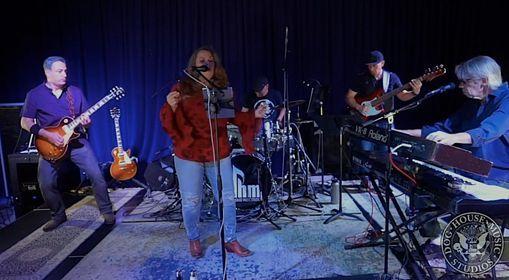 The Custom Shop Band
