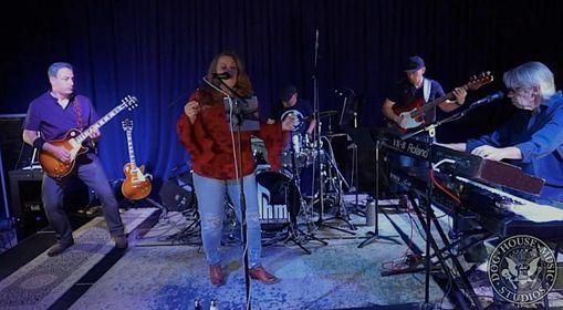 The Custom Shop - Band @ Dazzle