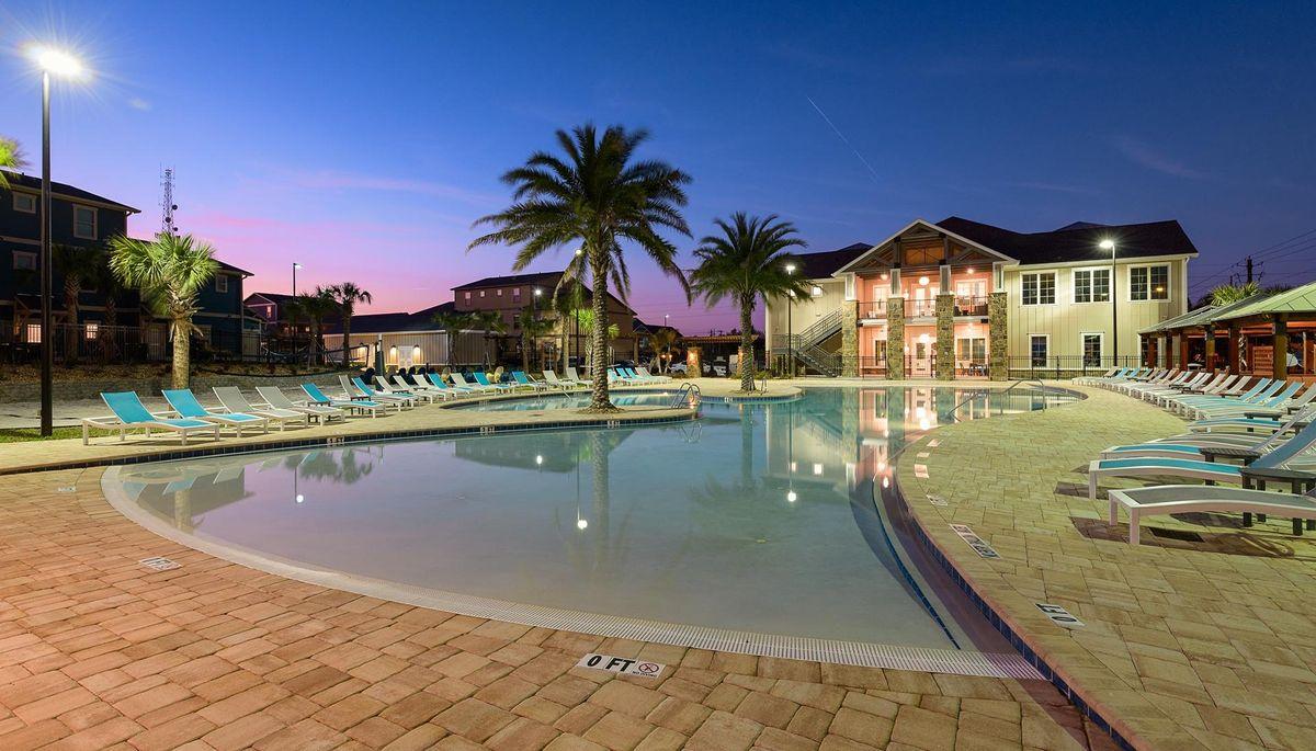 Evening in Paradise at Retreat at Tampa