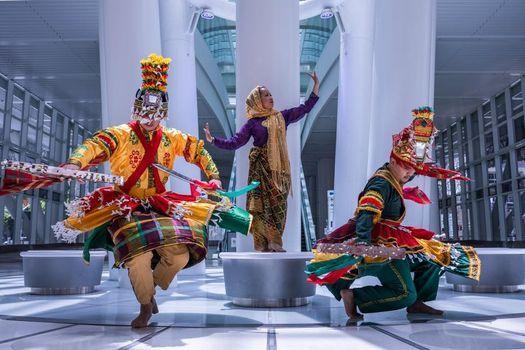 Parangal presents Sambuyoga Malna at SF Trolley Dances