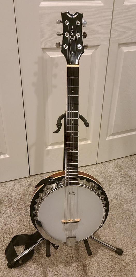 Country\/Bluegrass Show with Banjo for Residents and Guests.