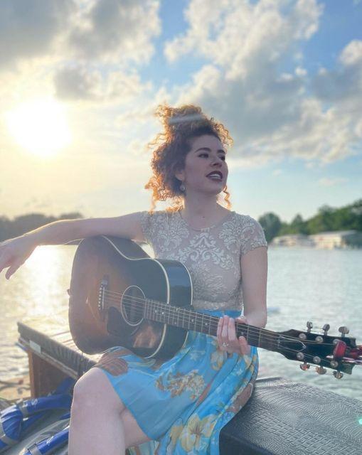 Latino Moonlight Serenade - Lesley Renaga