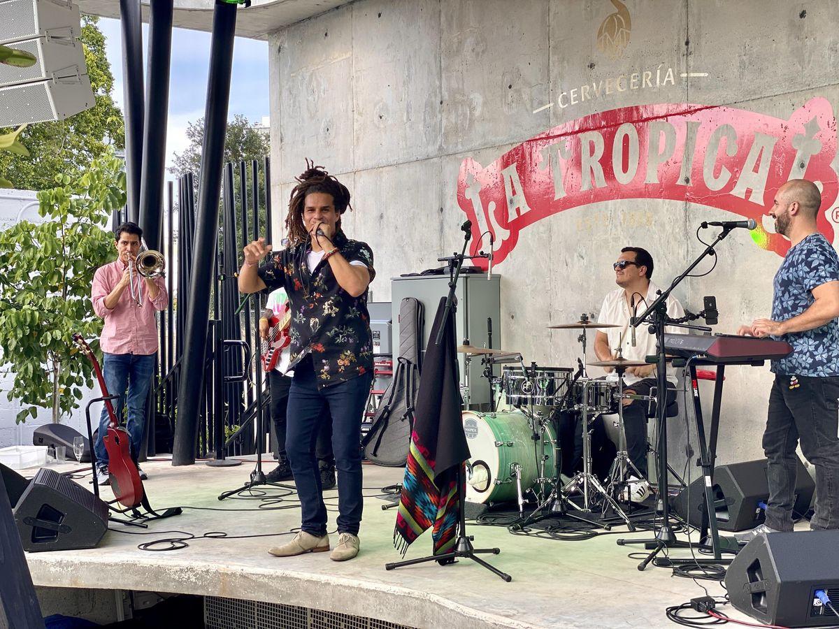 7Blck Live @ La Tropical